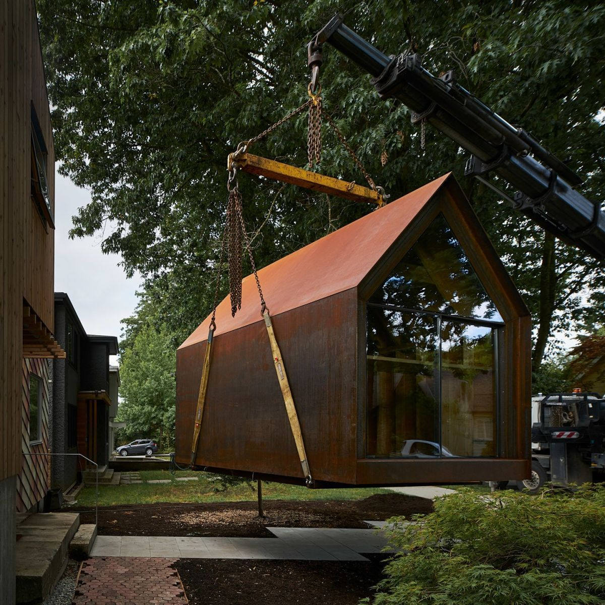 Tiny Corten Steel Cabin Gets More Beautiful With Each Passing Day In 2020 Prefab Cabins Cabin Corten Steel