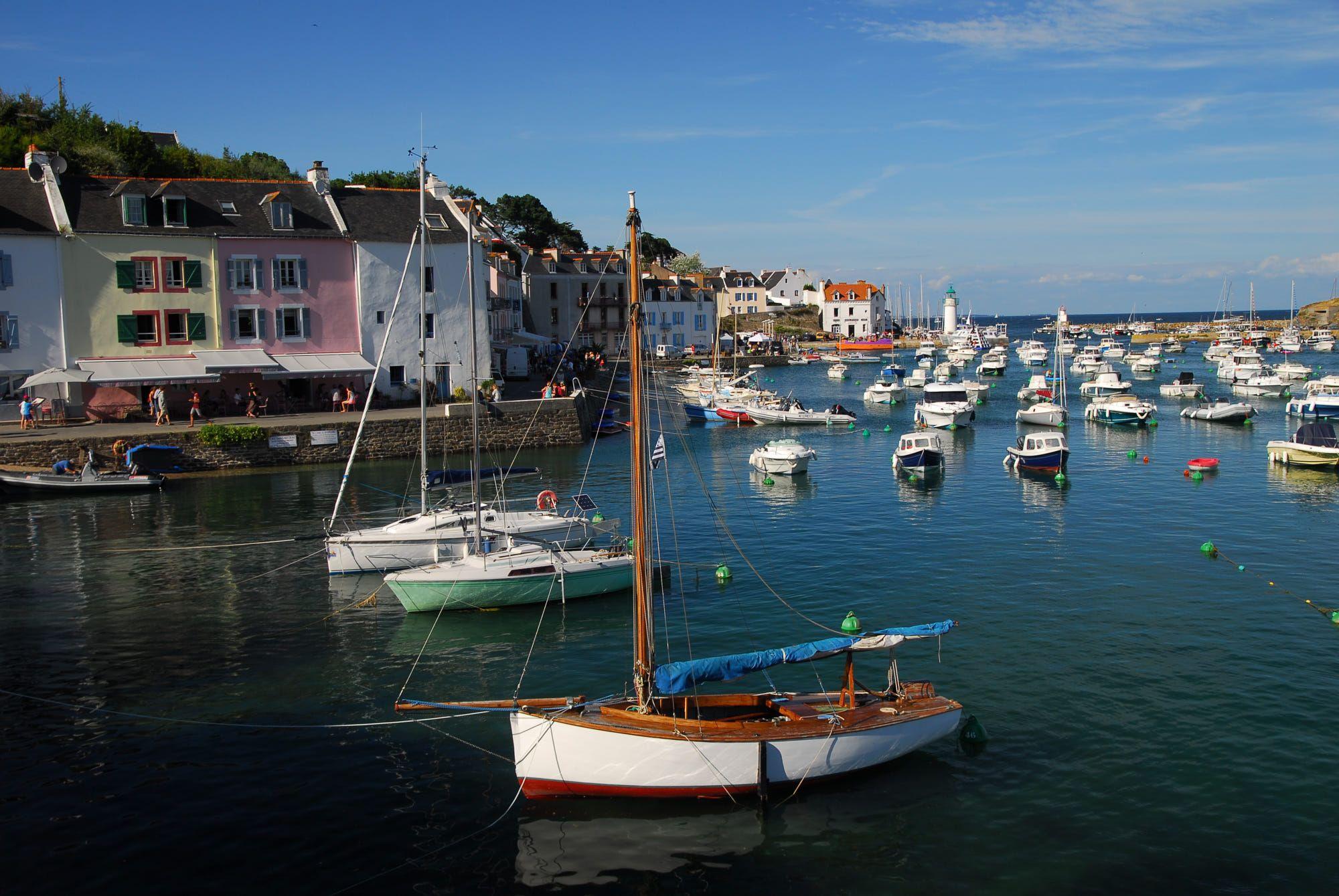 Sauzon Belle Ile En Mer Bretagne France By Xavier Legall Photo 305380185 500px France Great Places
