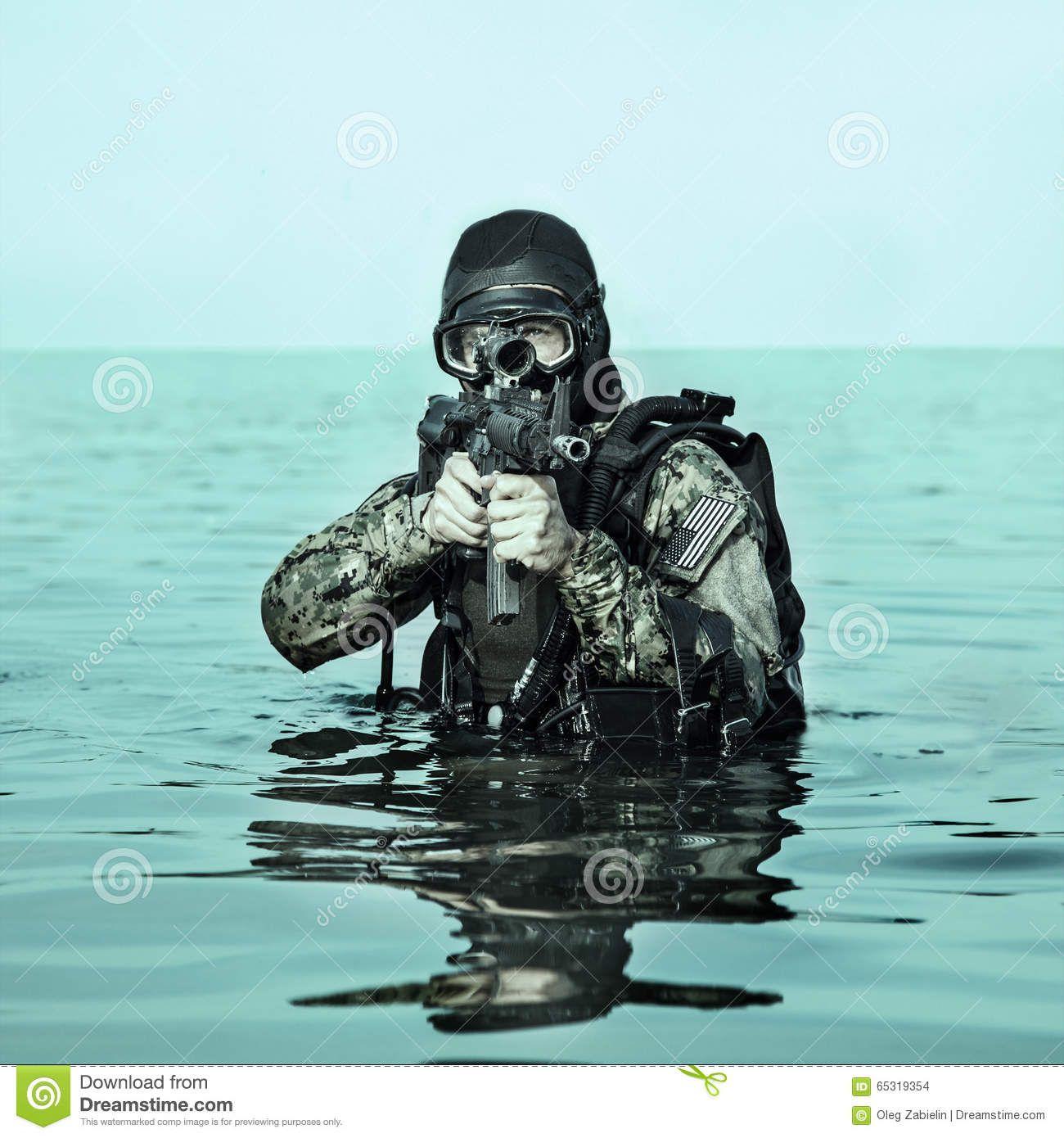Current & Future Eyewear for Navy Seals - SafetyGlassesUSA ...  |Navy Seals Emerging From Water