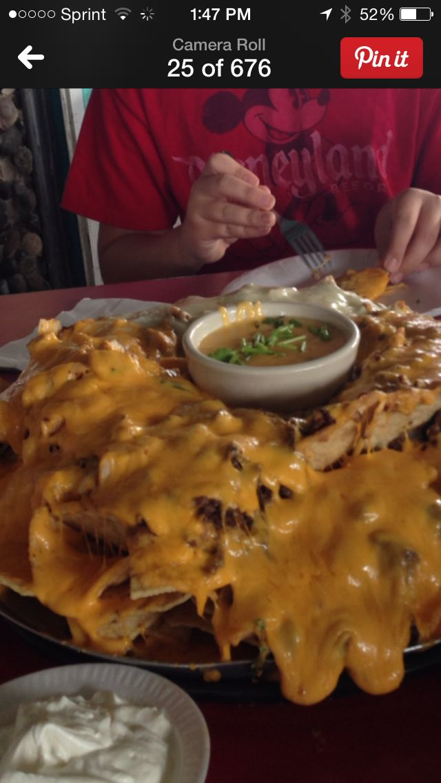 Monster Nachos At Chachos In San Antonio Tx Just Don T Eat The Tortilla Chips Well Maybe Just 1 Or 2 Eat Food Keto Low Carb