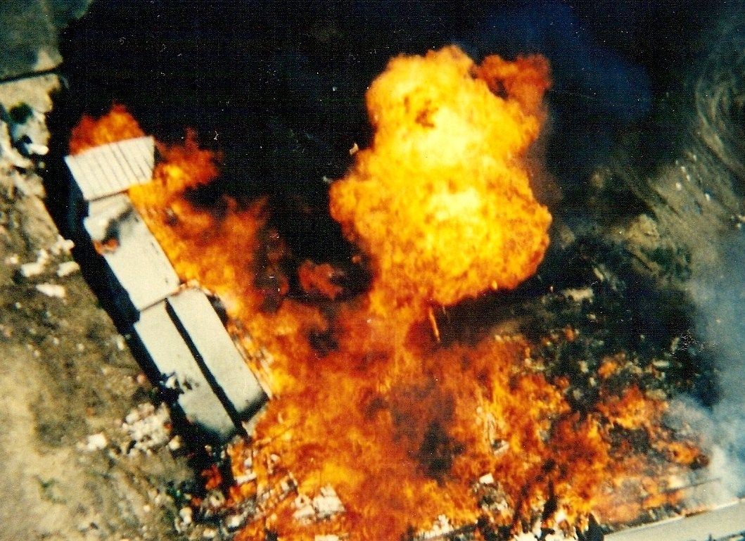Fire That Killed David Koresh And 82 Of His Followers At Their