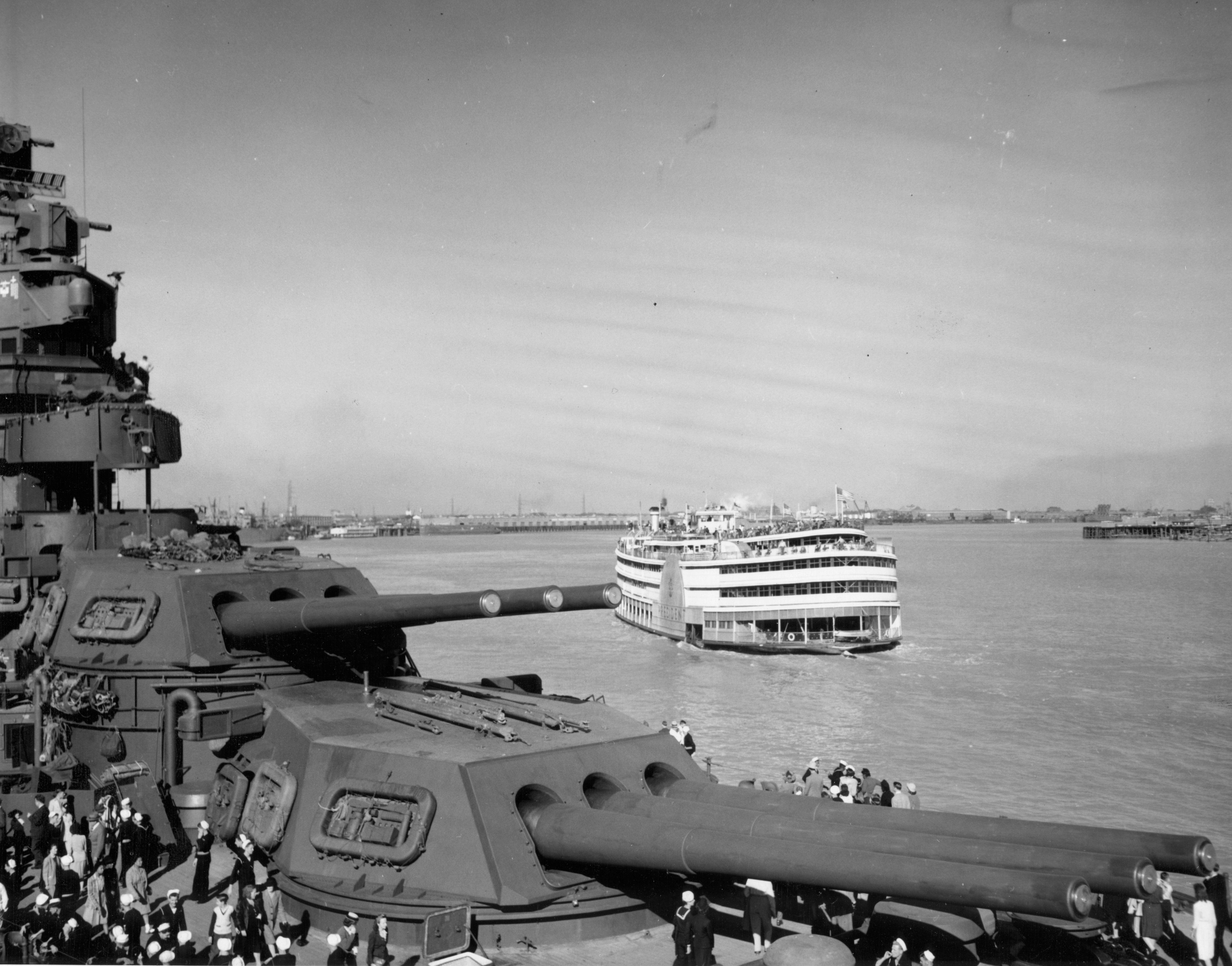 The Paddlewheeler Steamboat President Cruises Past Uss Mississippi Moored In New Orleans For Navy Day Celebrations 27 October 1945 Large Format 7000x5488 Navy Day Cruise River Boat