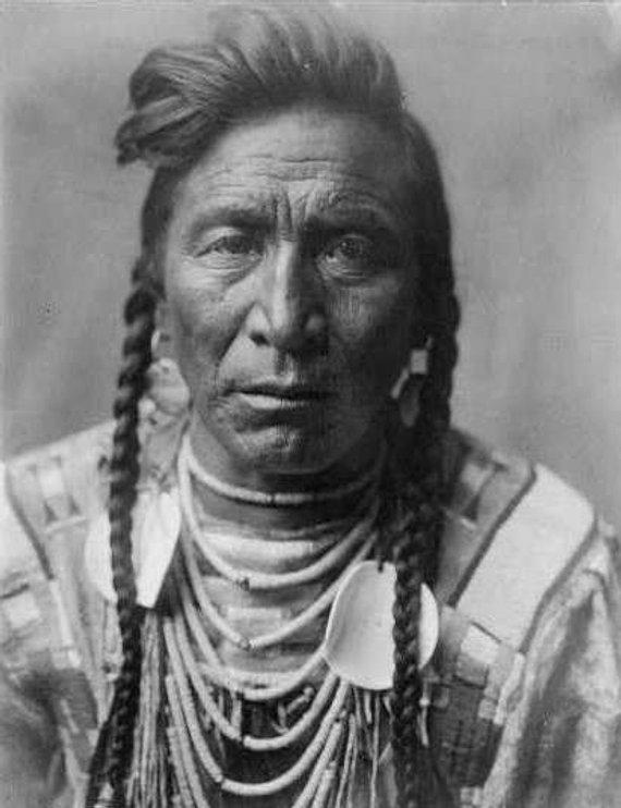 Man With Beads Indian Image 8 1 2 X 11 Image Indianer Amerikanische Indianer Indianer Nordamerikas