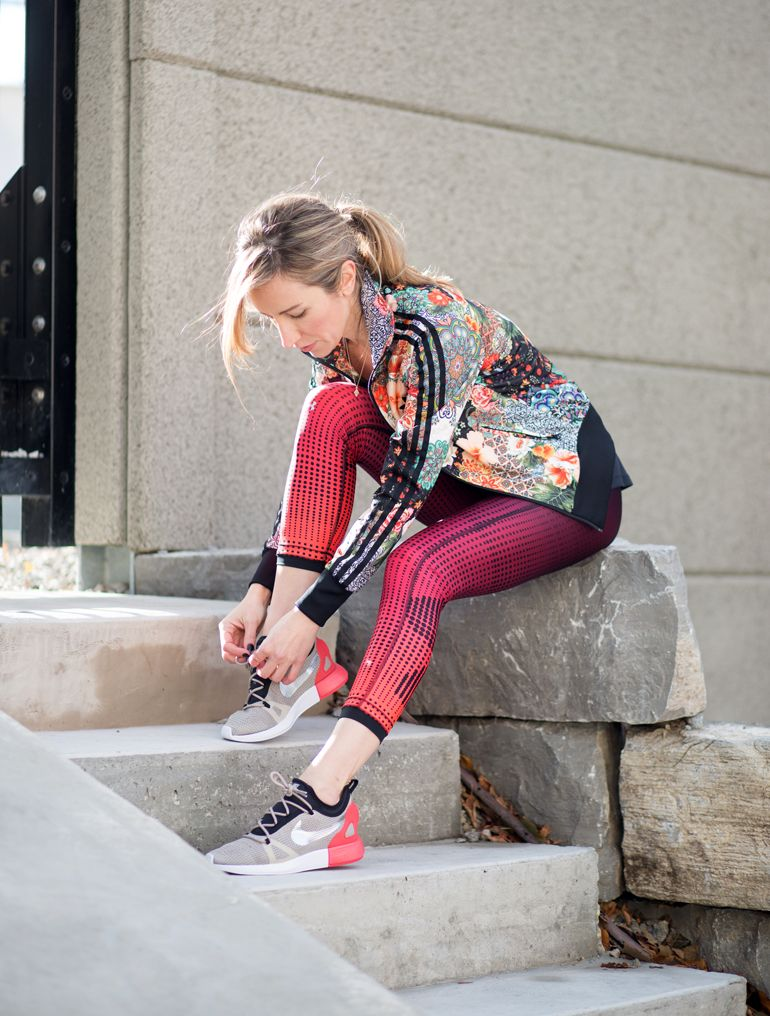 Hibbett Sports Nike Shoes Shopping for Colorful Nike