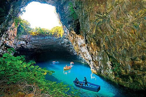 how to get to melissani cave