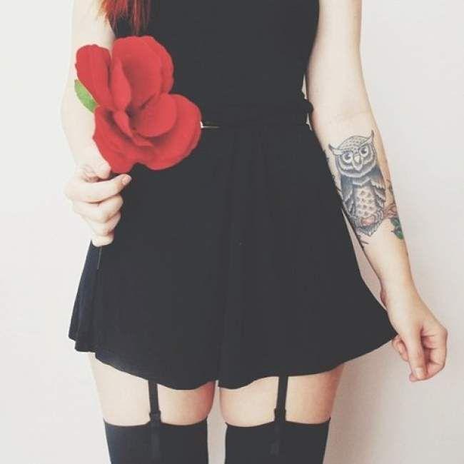 tatouage femme bras hibou tatouage femme sur le bras pinterest tatouages femme tatouages. Black Bedroom Furniture Sets. Home Design Ideas