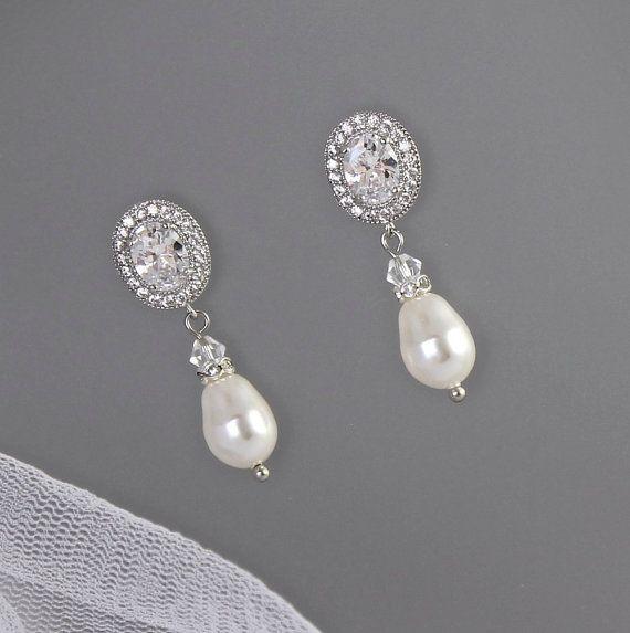 Brautschmuck ohrringe tropfen  Crystal Bridal Ohrringe Kristall und Perle Tropfen von JamJewels1 ...