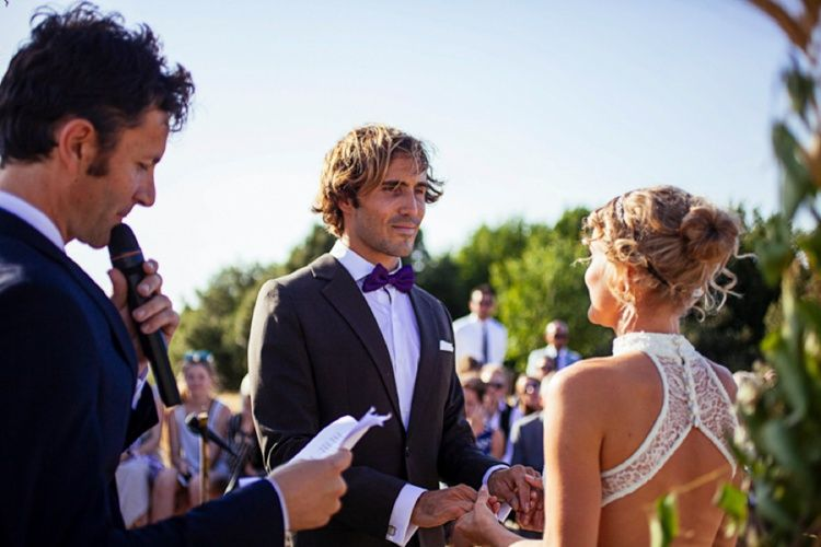 Such an emotional moment. http://flyawaybride.com/italian-countryside-wedding/  Wedding Planner: Rome on Demand | #Inspiration #countryside #weddingideas #Italy #italianwedding #ceremony #ido #weddingdress #handmadedress #bride #fields