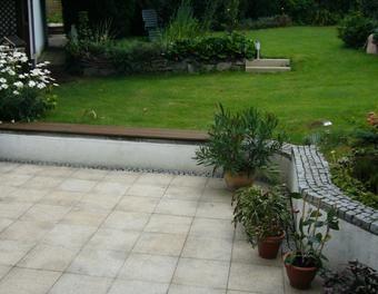 Sitzmauer mit Rundung Garten,bohren,sägen,Holz,Beton,Verputzen ...
