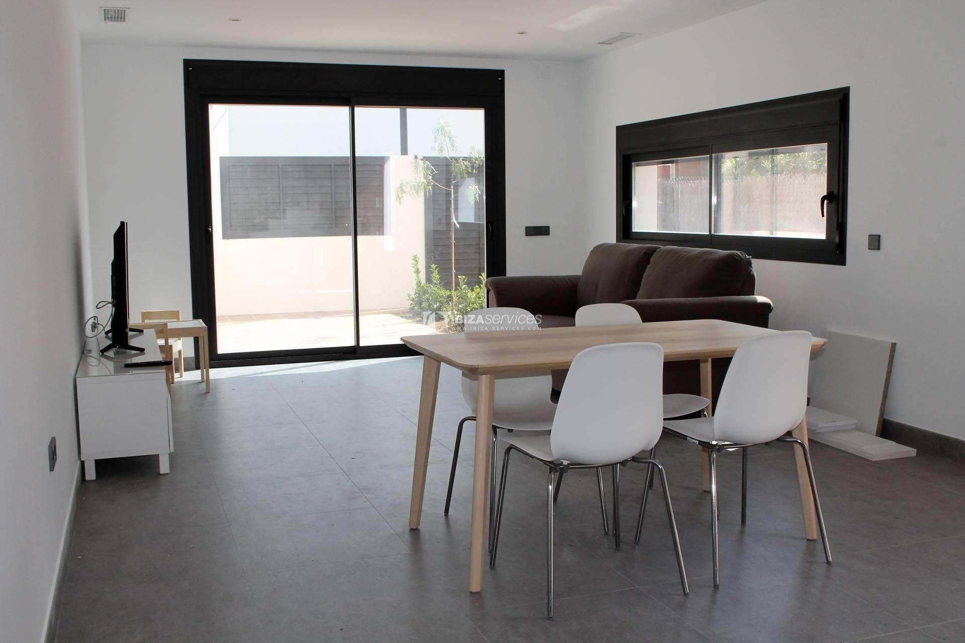 Puig Den Valls Nueva Casa De 3 Dormitorios En Alquiler Para Una Empresa Renting A House 3 Bedroom House Cheap Houses