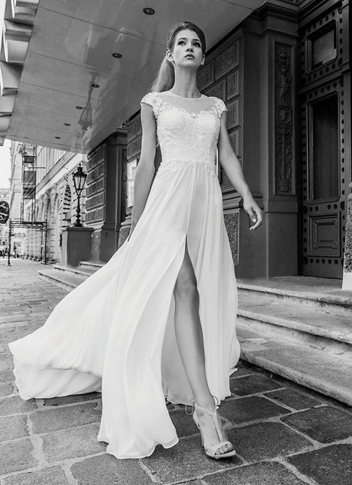 Znalezione Obrazy Dla Zapytania Suknia ślubna Z Rozcięciem Suknia
