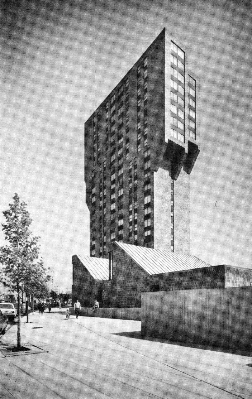 2440 Boston Road Apartments, Bronx, New York, 1973 (Davis, Brody and Associates)