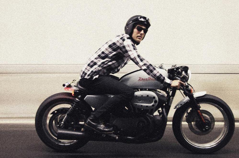 """motographite: harley davidson v twin 1200 """"cafe racer""""deus"""