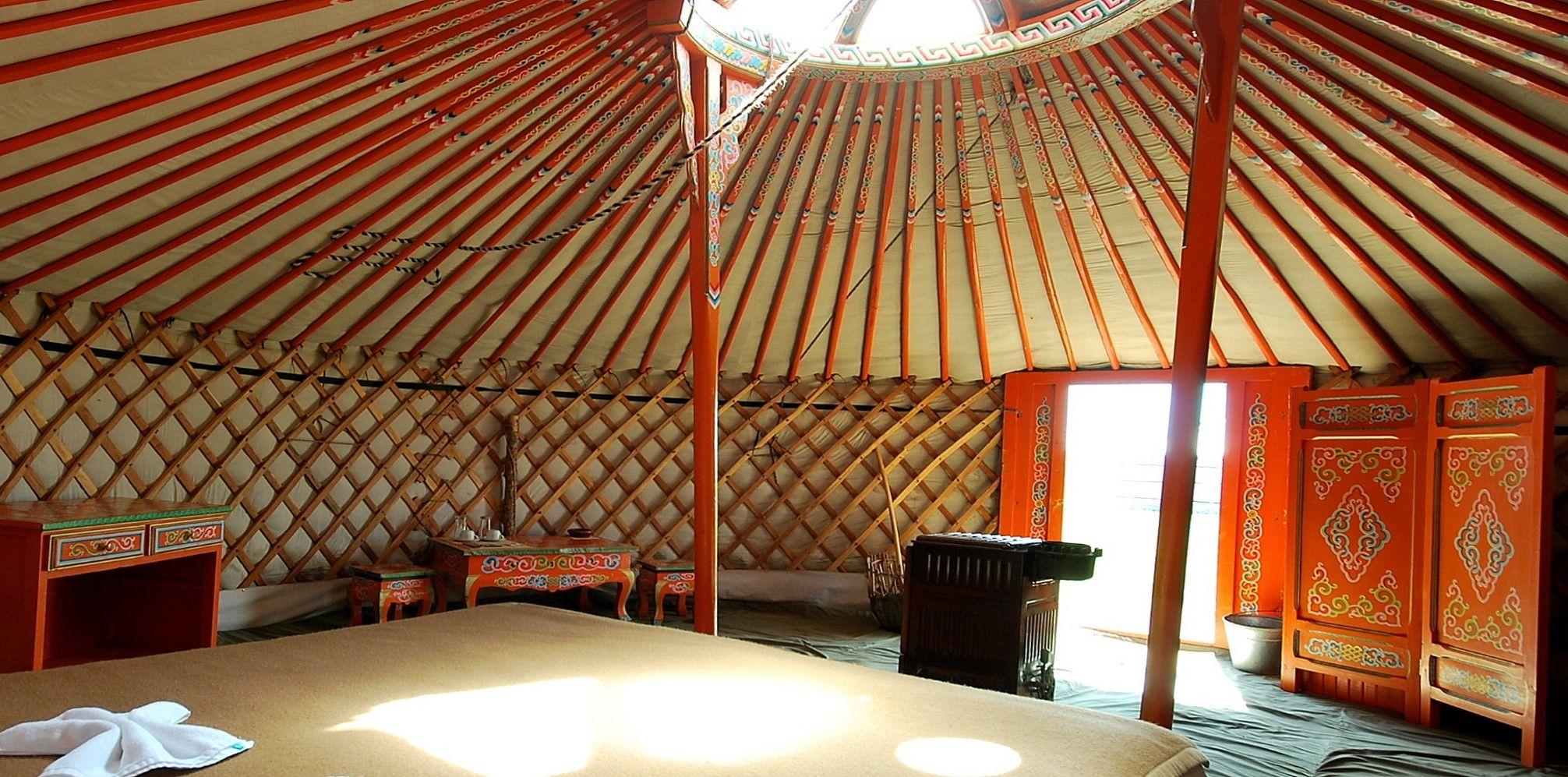 Mon plus beau voyage mongolie interieur yourte mongolie for Interieur yourte