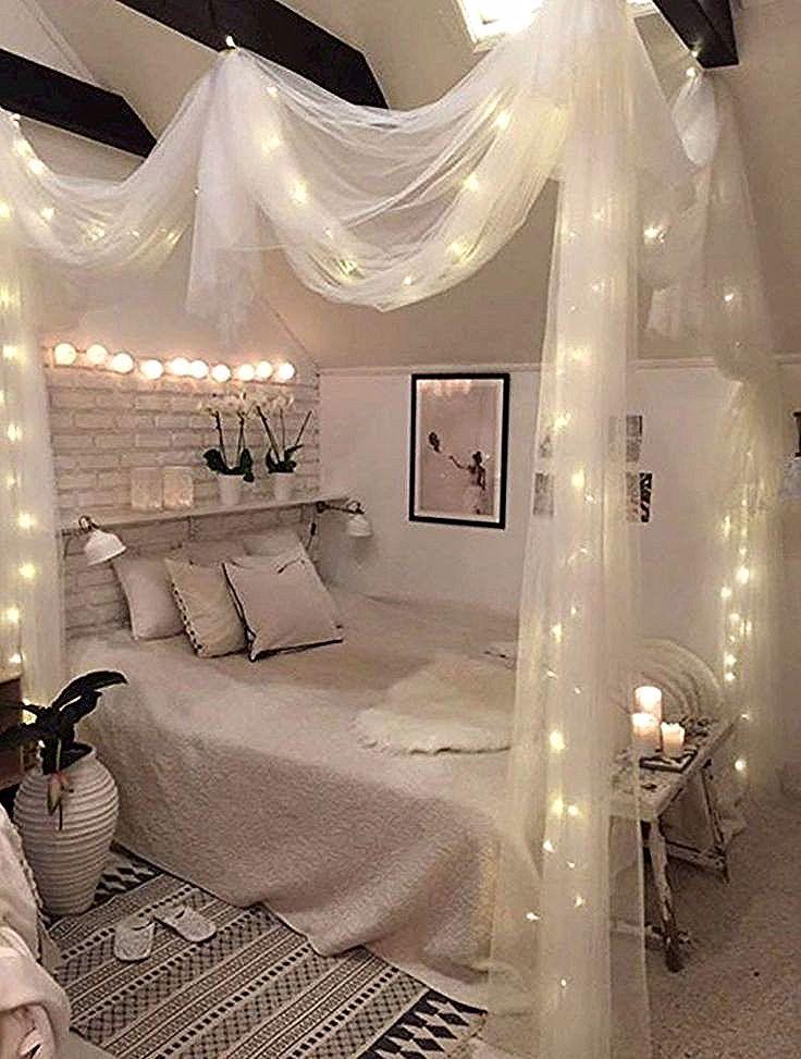 Photo of #decorato # accogliente # letto a baldacchino # luci della stringa #con
