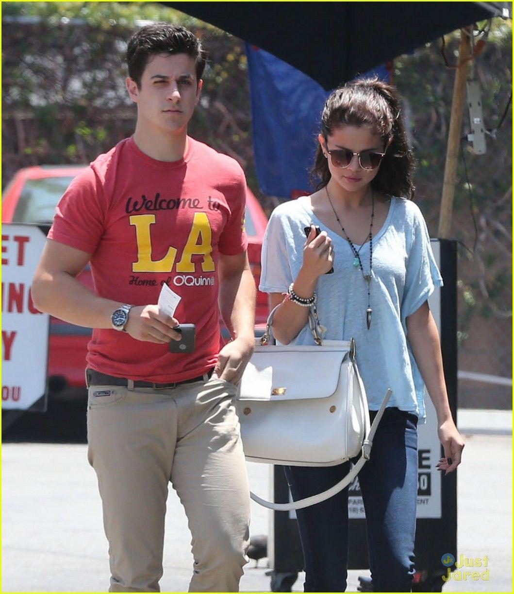 Selena dating David Henrie