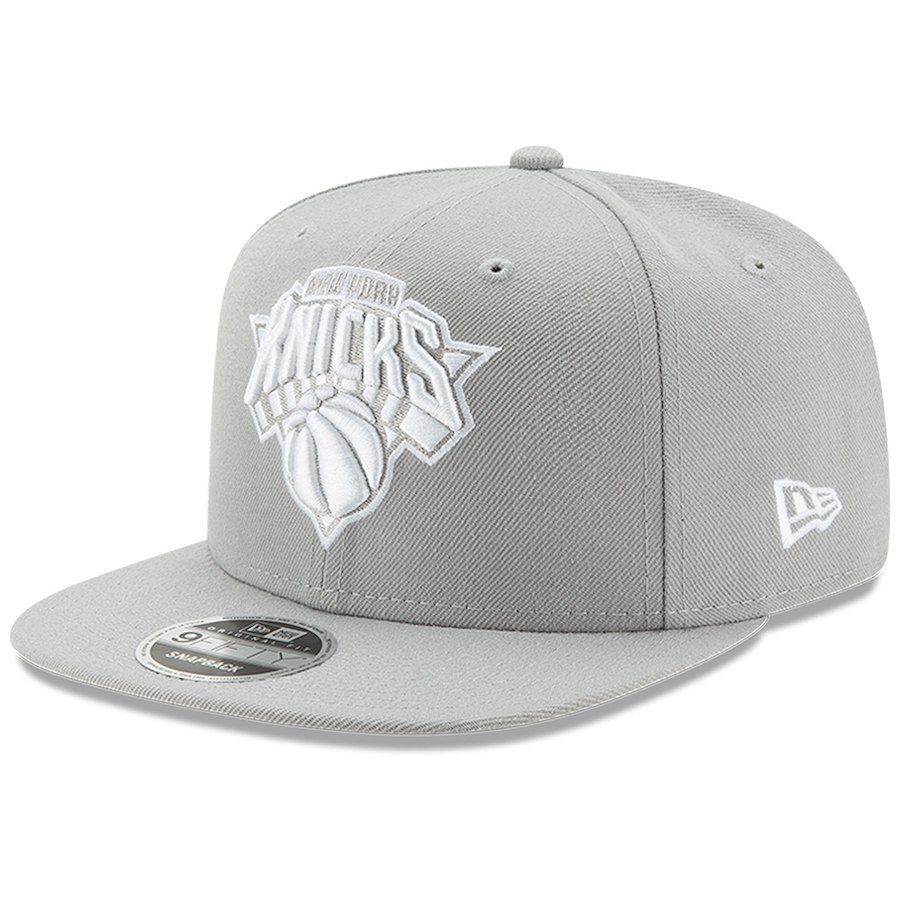 1112e4106af56 Men s New York Knicks New Era Gray League Basic Original Fit 9FIFTY  Adjustable Snapback Hat