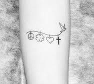 Resultado de imagem para tatuagem paz amor e fé