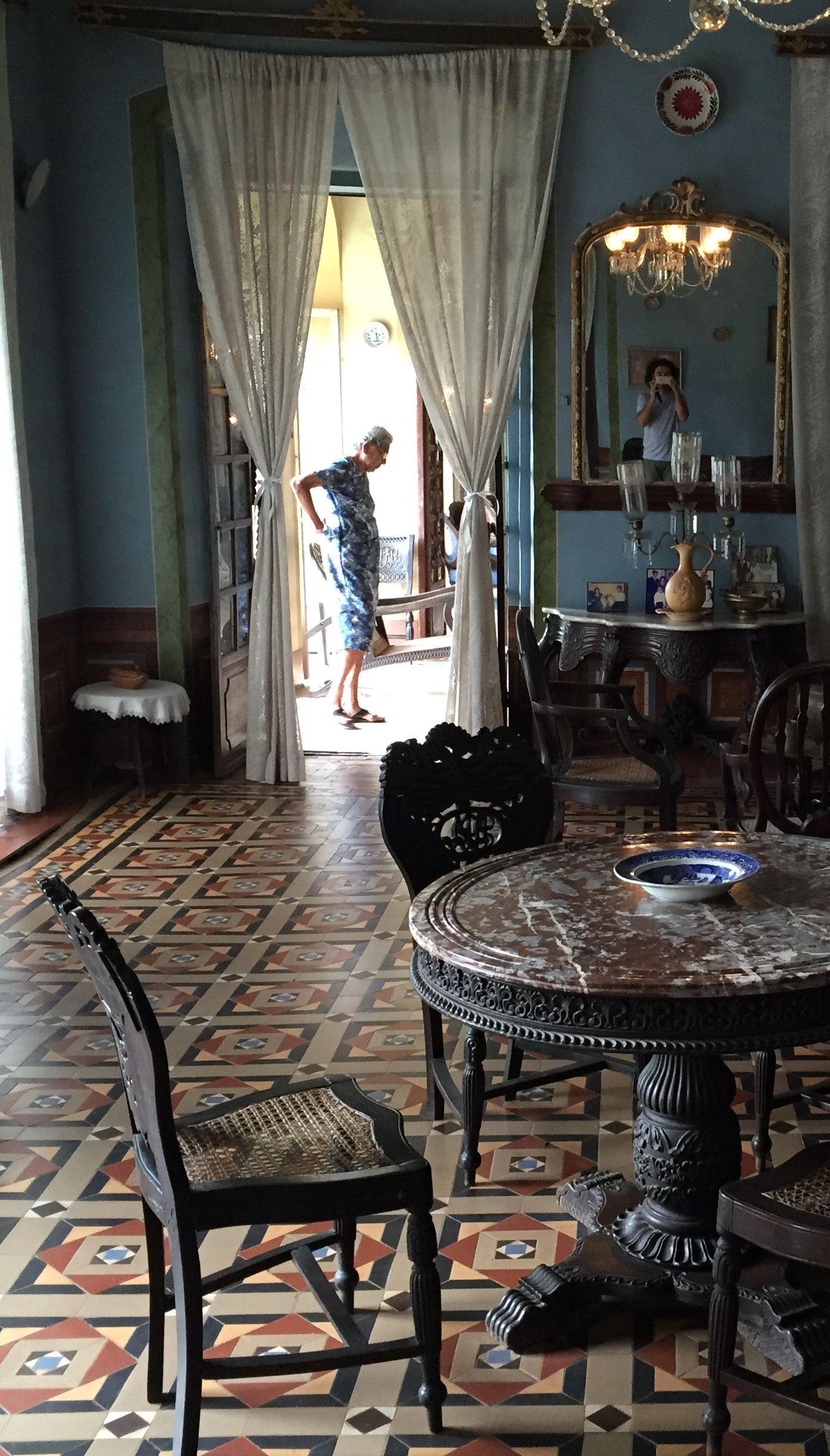heritage houses of goa menezes braganza pereira house travel across the world indian home. Black Bedroom Furniture Sets. Home Design Ideas