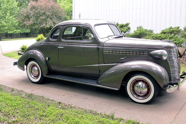 A 1938 Chevy Business Coupe That Nails The Resto Rod Look Carros