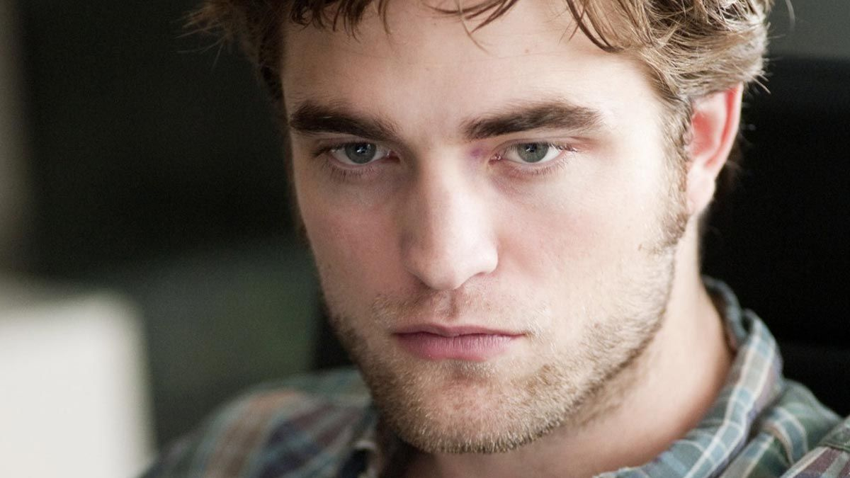 how do i get in touch with robert pattinson