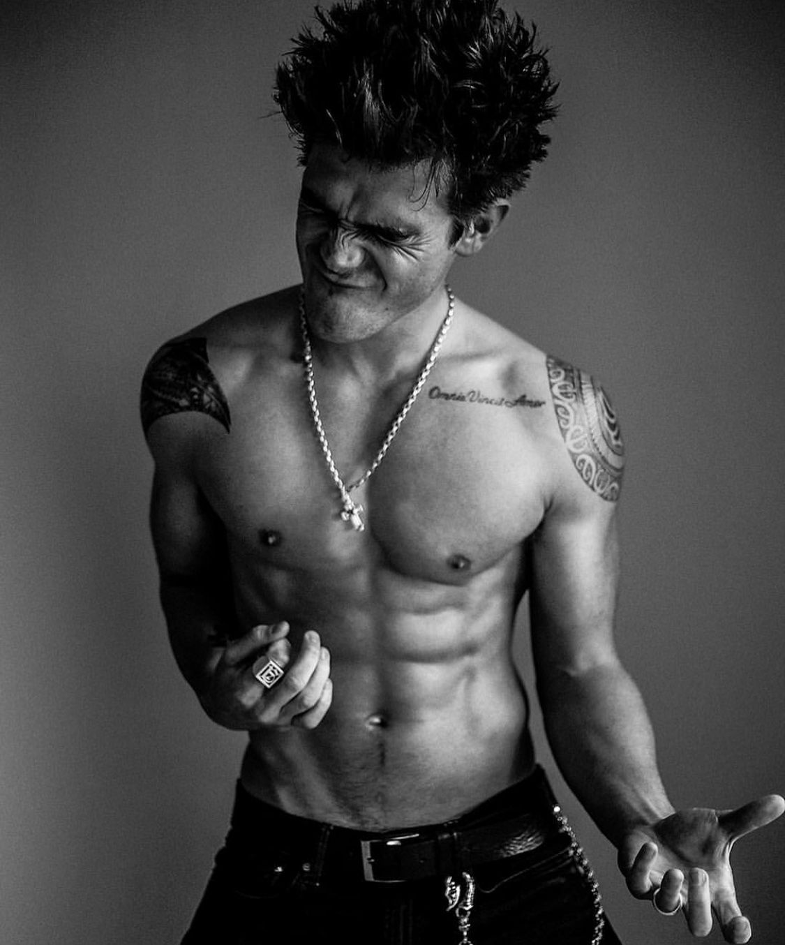Pin by Speyton on KJ Apa | Shirtless men, Riverdale archie