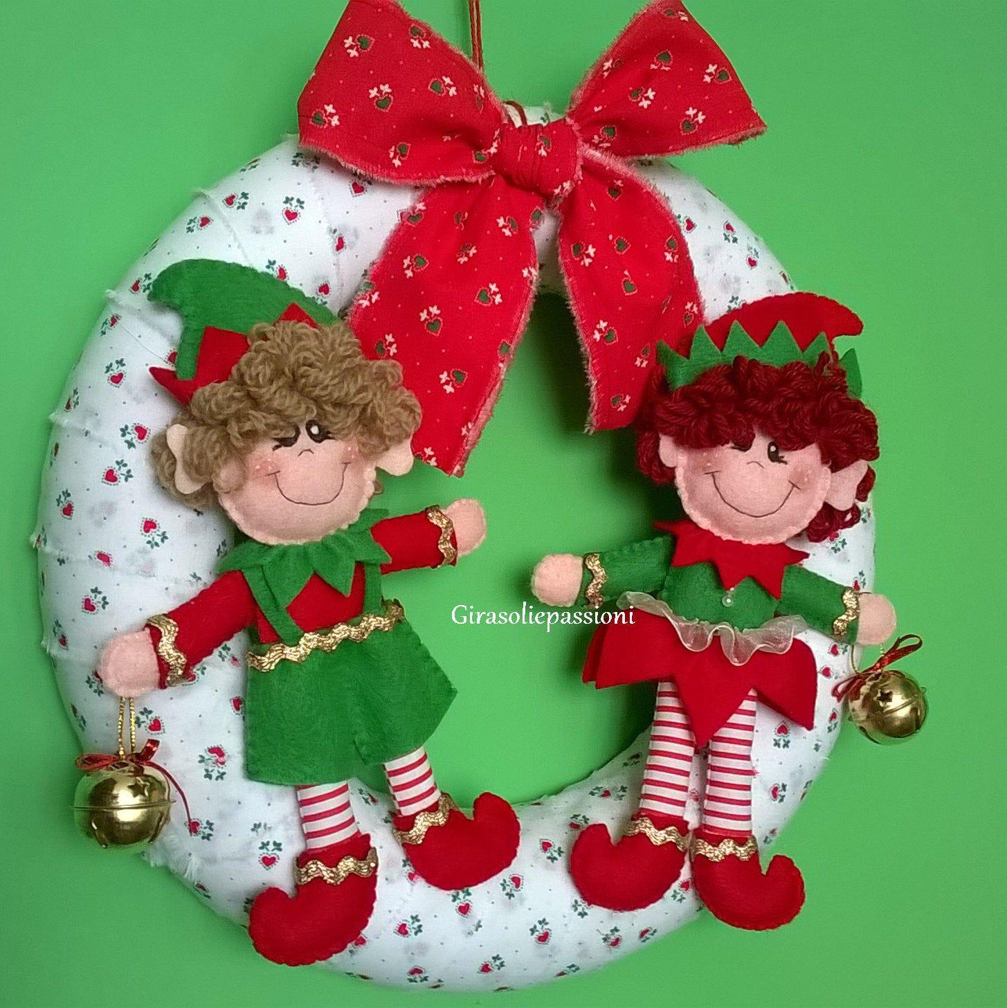 Photo of Ghirlanda Natalizia, Corona natalizia con Elfi, Fuoriporta natalizio, Stile Tirolese, Stile Moderno