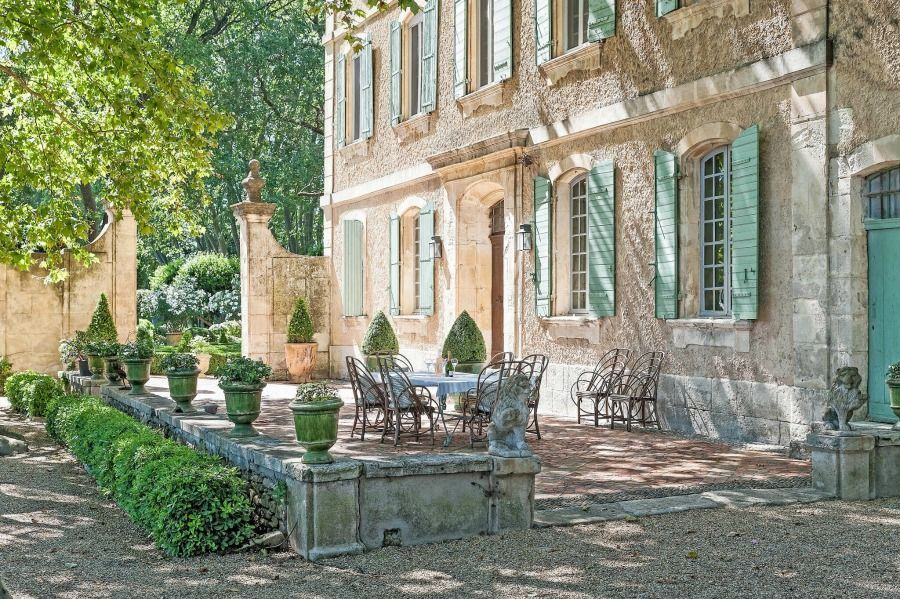 Rustic And Elegant Provencal Home European Farmhouse French Farmhouse And French Franzosische Landschaft Franzosisches Landhaus Franzosischer Landhausstil
