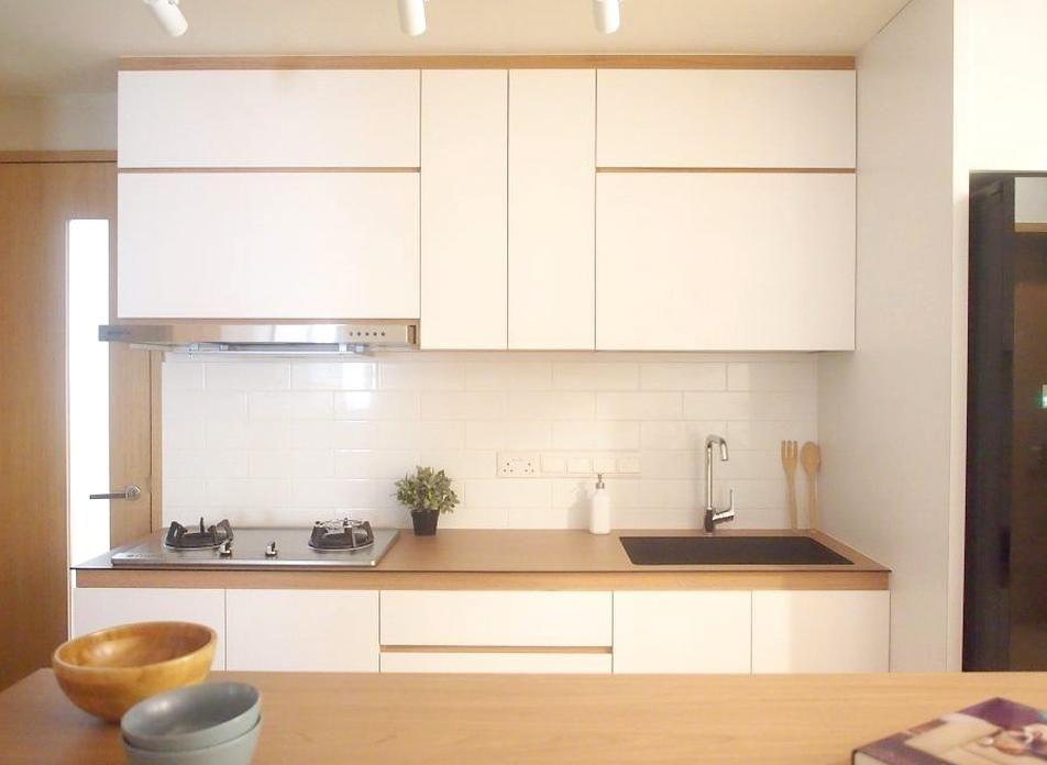 20 Ways To Achieve A Muji Style Home The Minimalist Society In 2020 Kitchen Interior Muji Style Muji Home