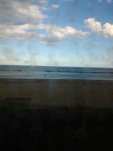 Quando sono in #treno e vedo il #mare mi sento meglio...