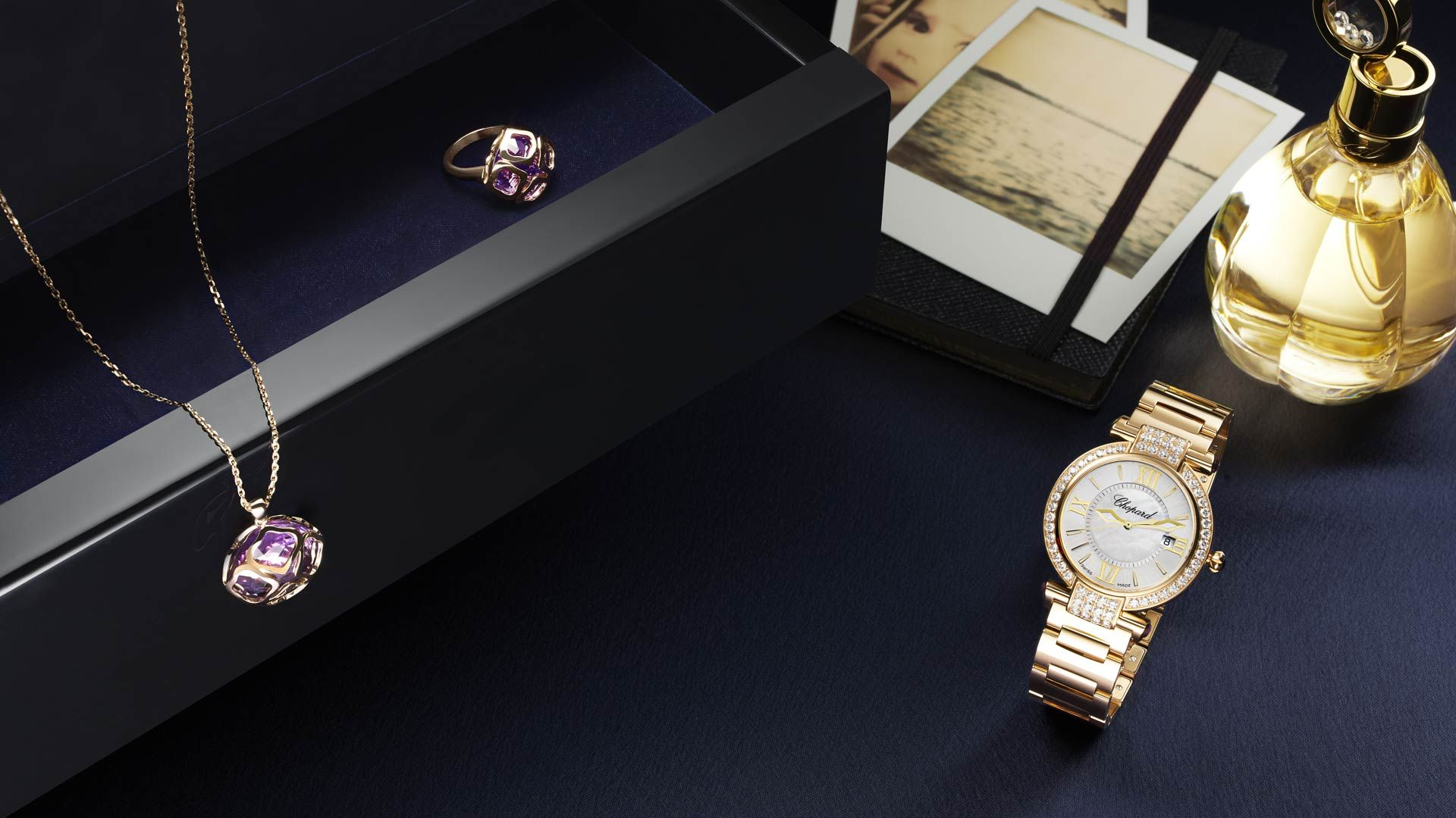 Pin By Vickygiannouli On Legendes Eclatantes Jewels Gold Watch Chopard