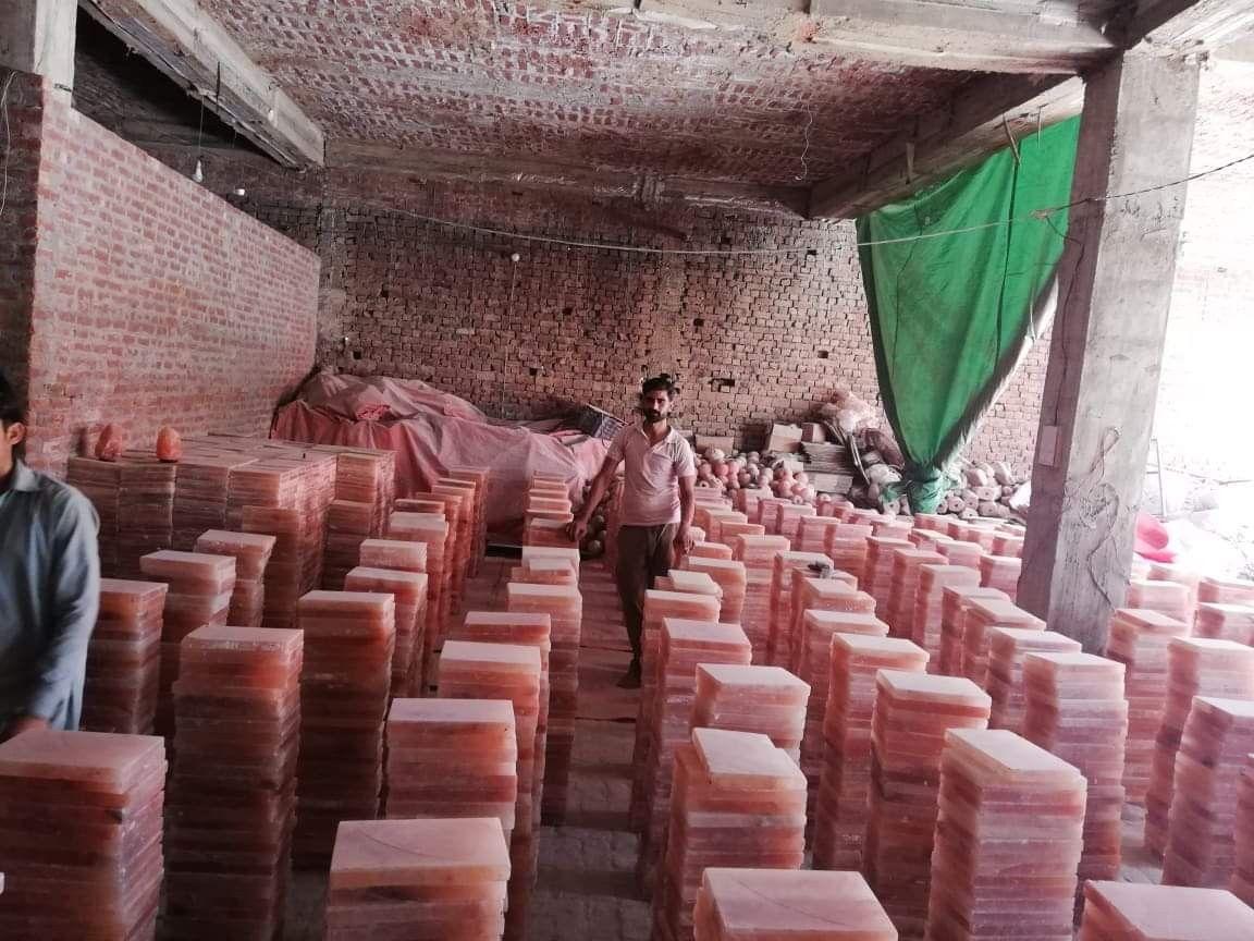 Himalayan Salt Tiles In 2020 Himalayan Salt Himalayan Himalayan Rock Salt