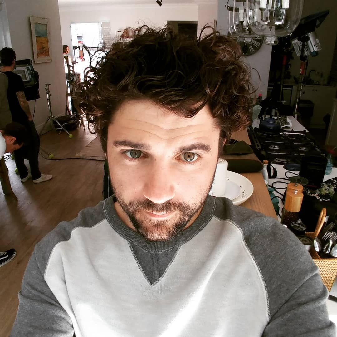 Sunday sets of curls 💪🎬🎥 #celebrity #setlifejetlife #fashion #love #model #actor #music #style #holl...