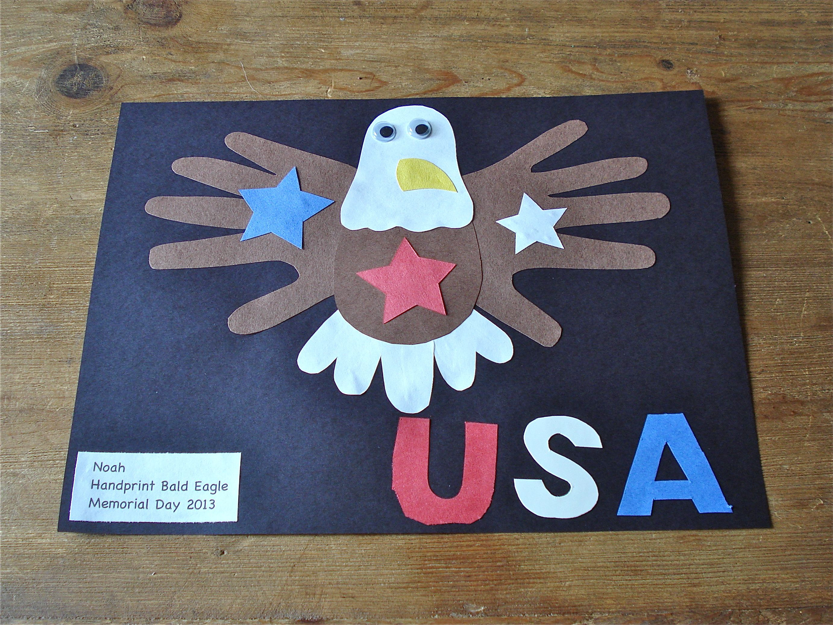 e1b384000849 Handprint bald eagle patriotic craft - Made this on the first day of camp!  Such a cute and easy craft.