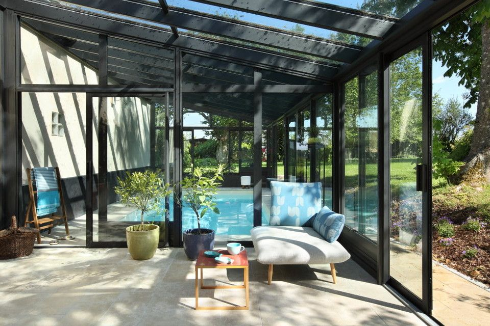 veranda piscine et coin d tente piscine couverte pinterest veranda piscine coin d tente. Black Bedroom Furniture Sets. Home Design Ideas