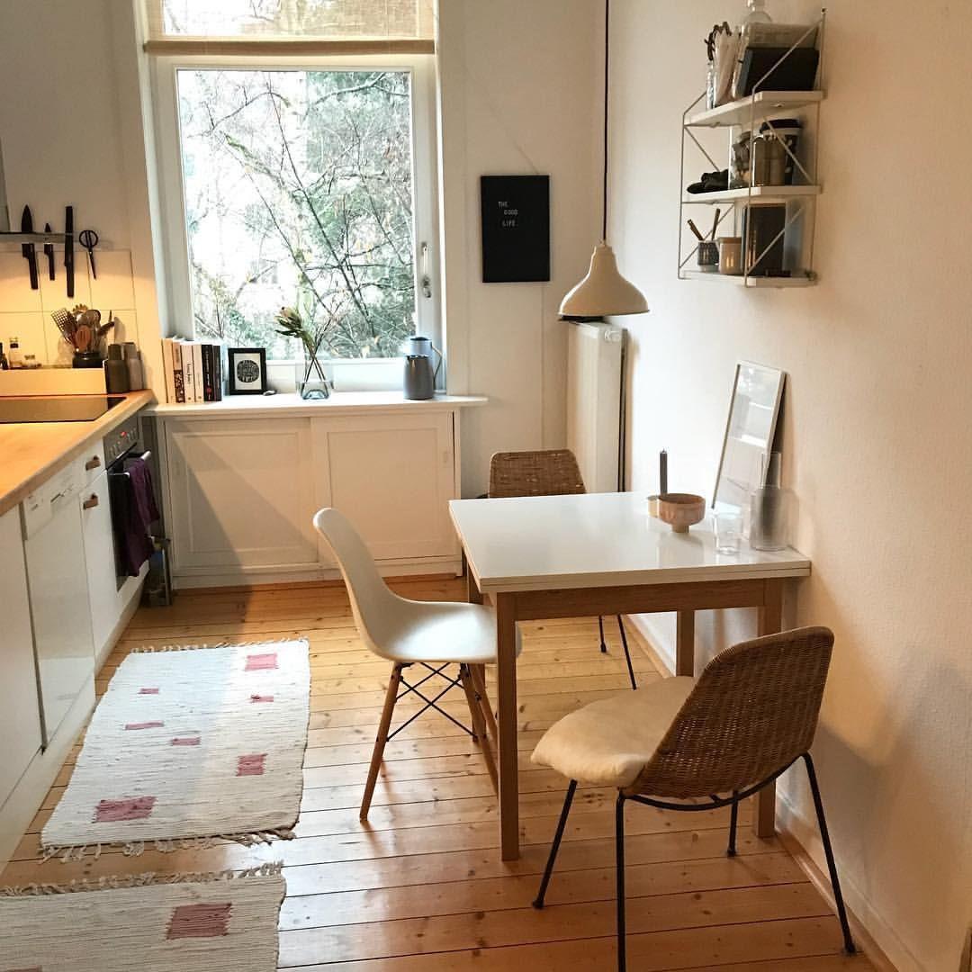 Wieder mehr rosa in der Küche. Meinetwegen kann es jetzt auch Frühling werden. Auch wenns bislang keinen Schnee gab. Aber braucht ab Mitte… #wohnungküche