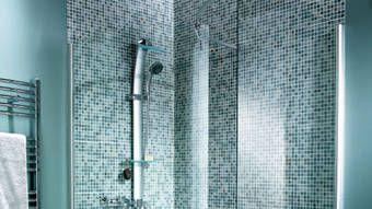 Quelle Mosaique Choisir Pour Une Douche A L Italienne Avec Images Douche Italienne Douche Idees Pour La Maison