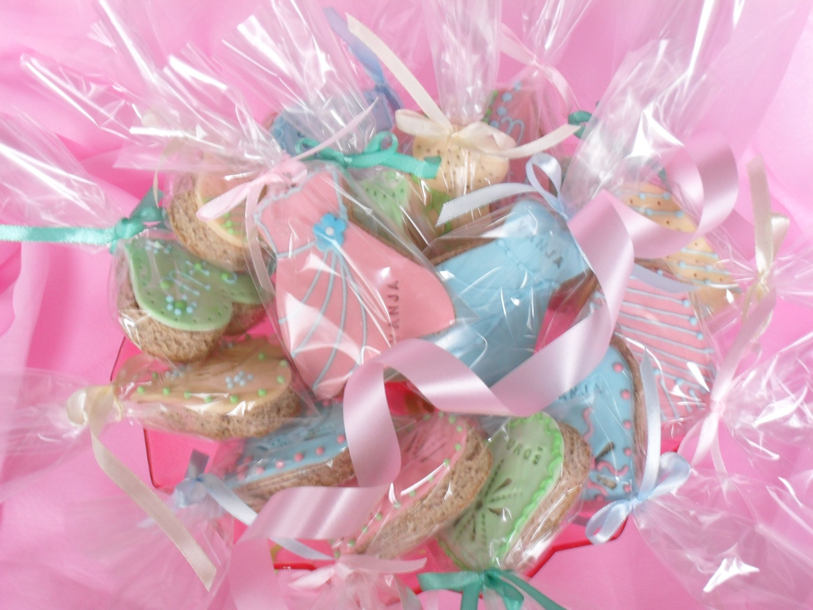 medenjaci za devojacko vece   cookies for weding   Pinterest