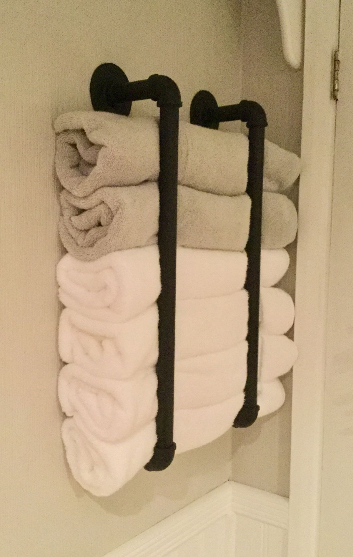 Fun Modern Industrial Towel Storage Idea With Steampipe Bathroom Storage Solutions Small Bathroom Organization Bathroom Towel Storage