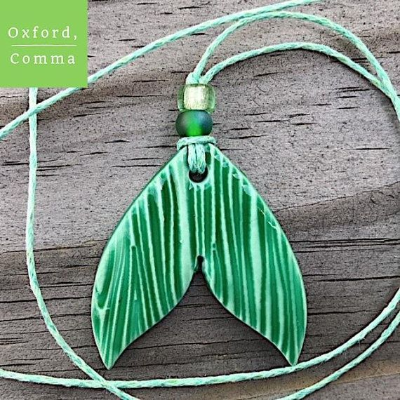 Anhänger oder Anhänger aus Keramik-Meerjungfrauenschwanz, glasiert grün, handgefertigter #stampshandmade