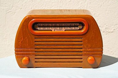 Beautiful-working-Catalin-Fada-252-Temple-radio