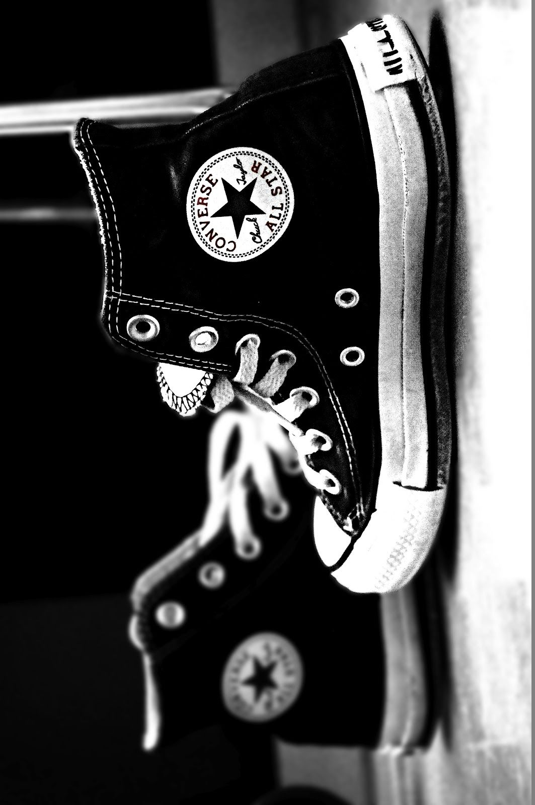 Black and white converse all stars  9a5d67c66