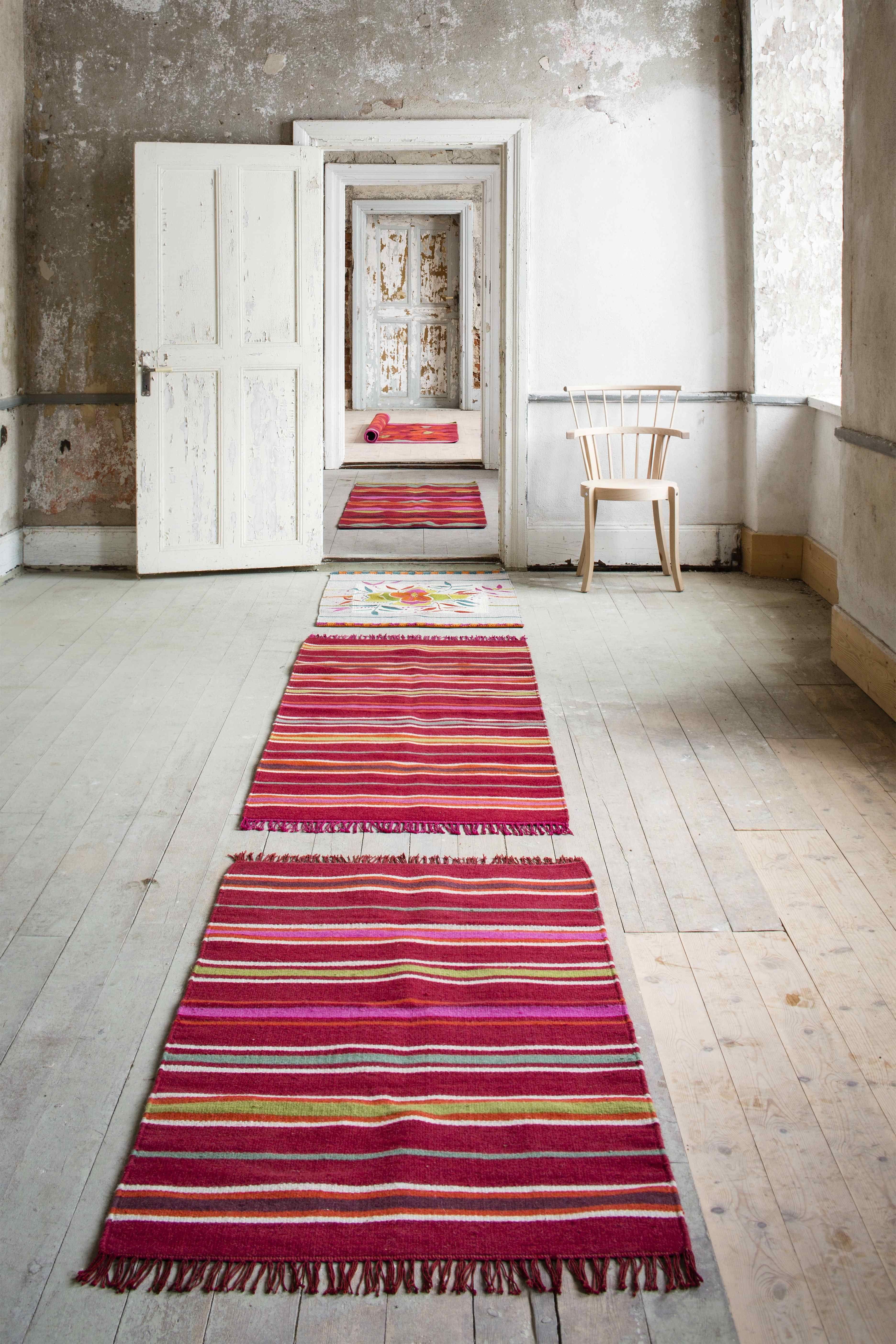 pin von gudrun sj d n auf skandinavisch wohnen pinterest streifen wohnen und skandinavisch. Black Bedroom Furniture Sets. Home Design Ideas