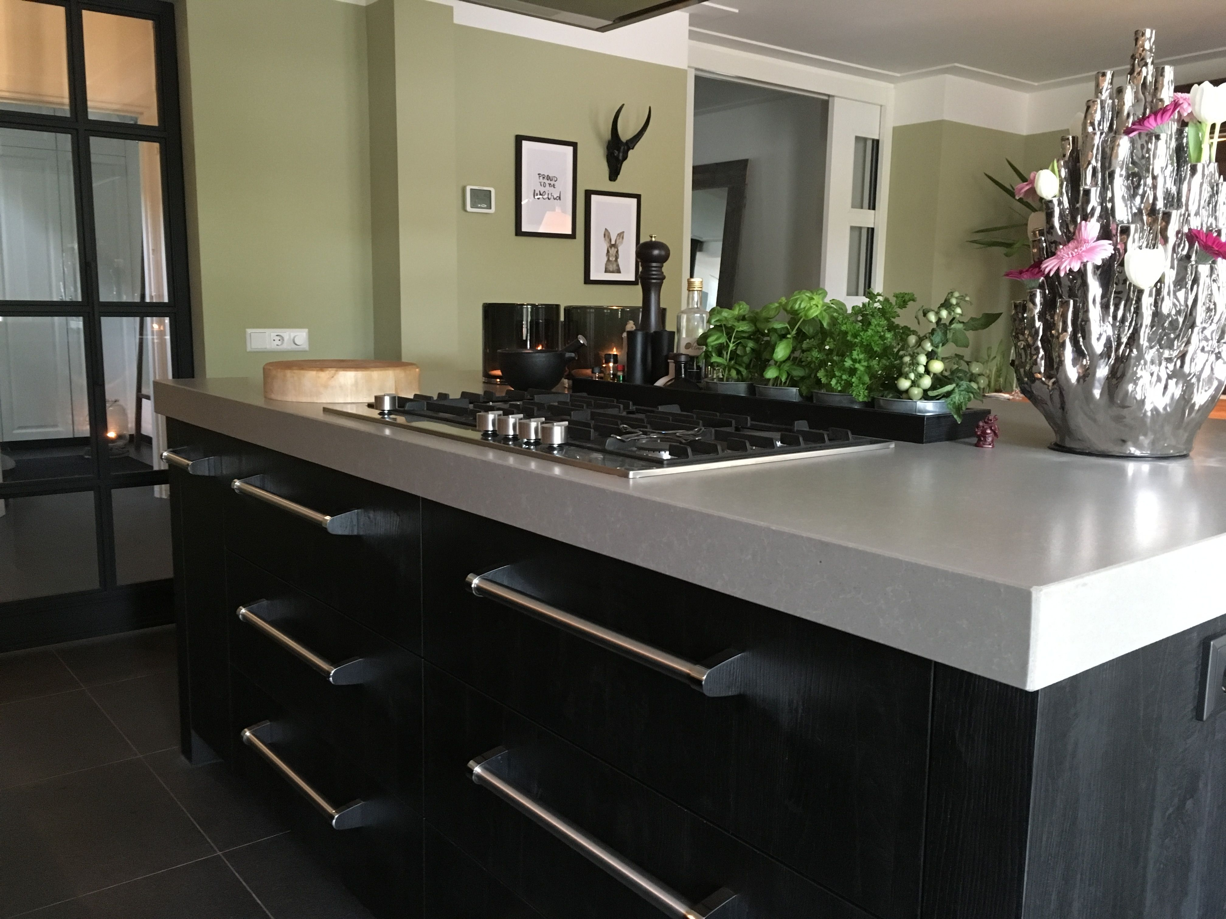 Zwart Keuken Grepen : Keuken zwart composiet blad boretti viking grepen. #home