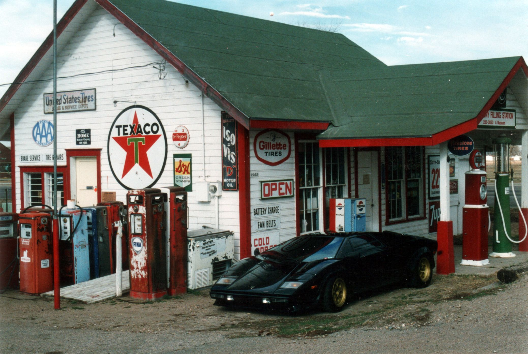 Gas Stations Around Me >> Old Gas Stations Vintage Gas Station Near My Home The Restored