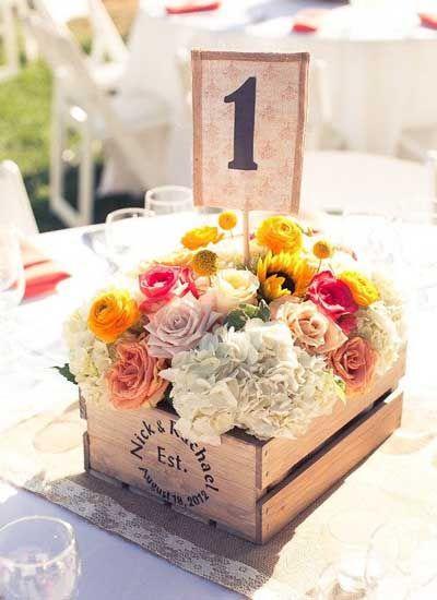 centre de table cagette bois fleurs id es mariage pinterest cagette bois cagette et. Black Bedroom Furniture Sets. Home Design Ideas