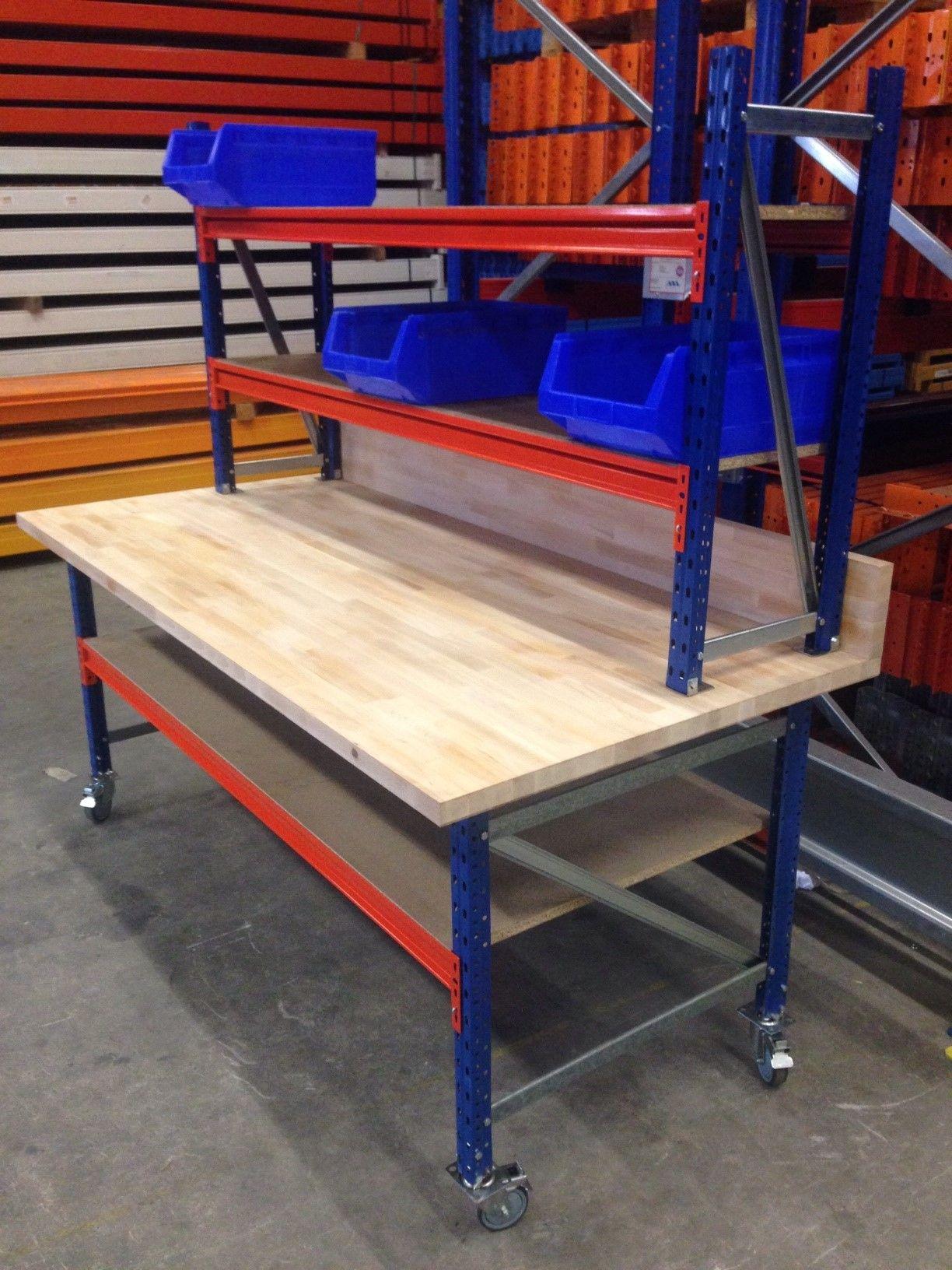 Werktafel voorzien van 40 mm dikke beuken werkblad (1000 x 2.080 mm)