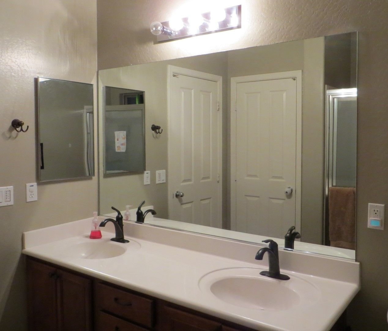 how to frame a mirror diy bathroom mirror frames tutorial - Diy Bathroom Mirror Frame