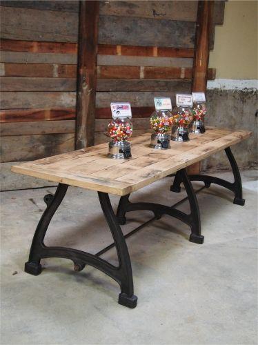 Tres Grande Table Industrielle Plateau Chene Massif Pieds Fonte - Table pied metal plateau chene pour idees de deco de cuisine