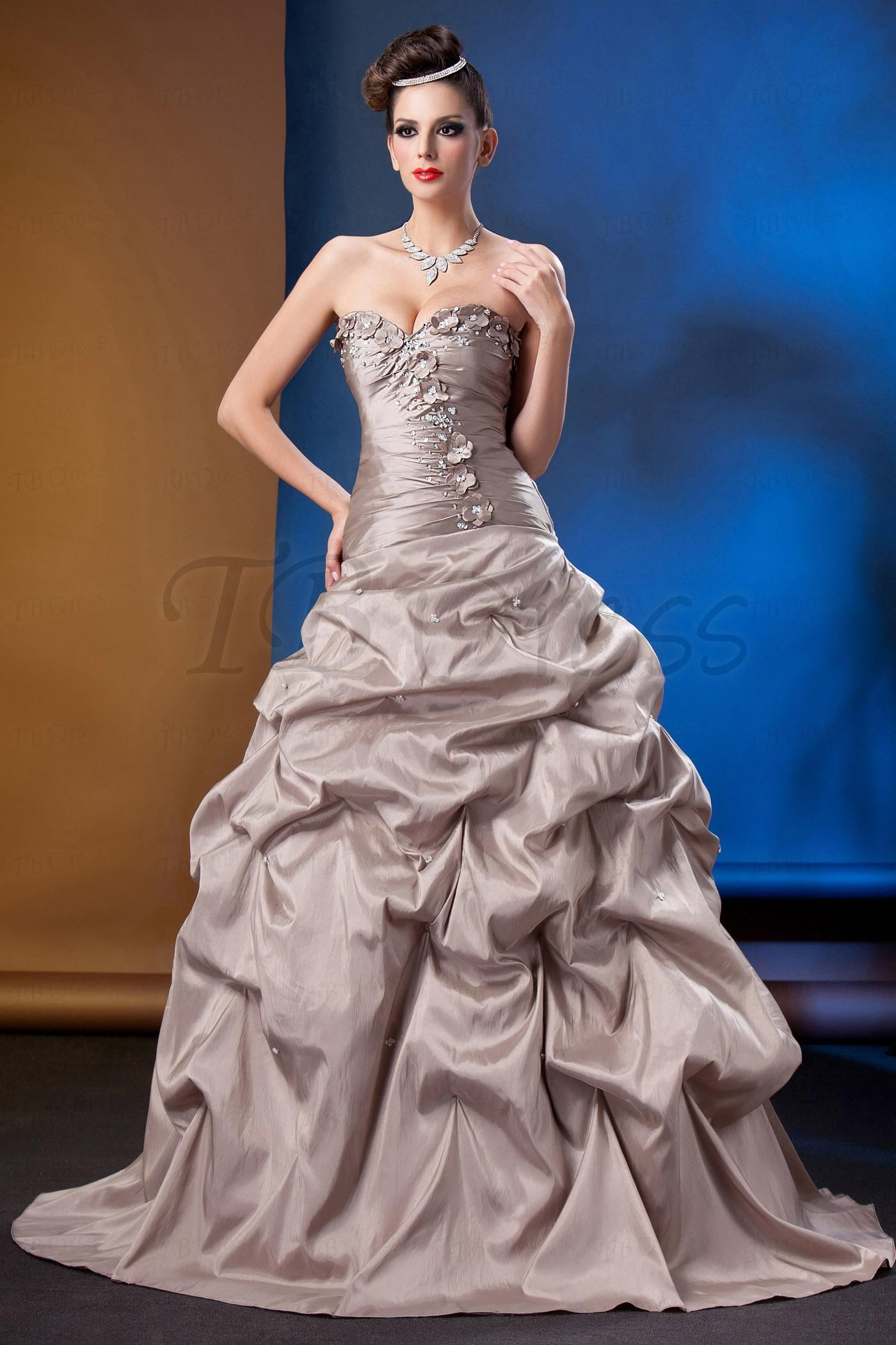 Fascinating sweetheart floorlength talineus ball gownprom dress